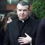 Congreso aprueba revocar nacionalidad por gracia de sacerdote John O'Reilly