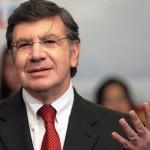 """Joaquín Lavín dice que Encuesta CEP """"no refleja la realidad del país"""""""