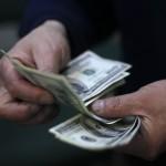 Dólar cae cerca de $9 llegando a su valor más bajo en tres semanas