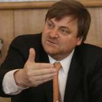 Ministro de Minería advierte alto impacto ante posible cierre de Ventanas