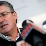 Senador Pizarro asegura que hay contrato de respaldo para boletas de sus hijos a SQM