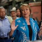Evelyn Matthei se abre a una reforma tributaria condicionada mientras que Michelle Bachelet asegura que es necesaria