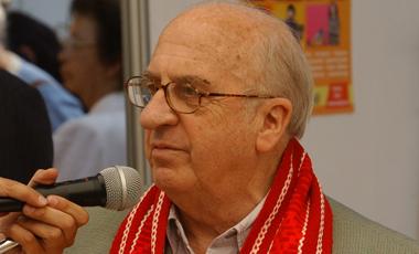 El Arzobispado de Santiago informó que este jueves falleció el sacerdote Alfonso Baeza Donoso, en la casa del Clero a los 82 años. - Alfonso-Baeza