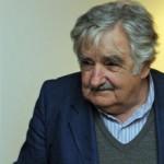 Presidente de Uruguay culpa al estado y a la familia por retroceso en la educación