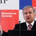 """Ministro de Hacienda señala que alza del dólar es """"saludable"""" para la economía del país"""