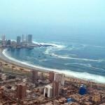 Horario de llegada de las olas en las diferentes zonas de la costa chilena