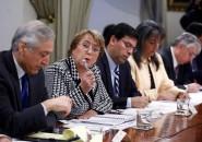 Presidenta Bachelet encabeza reunión en La Moneda