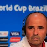 Hinchas enojados con Jorge Sampaoli por titularidad de Arturo Vidal