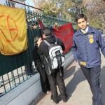 Alumnos del Liceo de Aplicación se suman a movilización tomándose el recinto