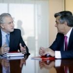 Gobierno invita a Pablo Longueira a participar en tramitación de la agenda energética