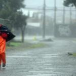 Suspensión de clases y calles inundadas por temporal en el sur del país