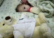Niño con malformación abandonado por pareja australiana que contrató vientre de alquiler