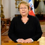"""Presidenta Bachelet promulga reforma tributaria señalando que """"es un día histórico"""""""