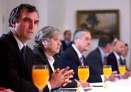 reunion partidos politicos en la moneda
