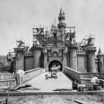 Momentos Notables: Disneyland abre sus puertas