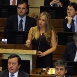 """Diputada Hoffmann tras interpelación a Ministro Eyzaguirre: """"No les preocupa el cierre de colegios"""""""