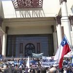 Profesores contra presidencia de Jaime Gajardo marchan por la Alameda