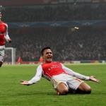 """Alexis Sánchez """"podría dejar Arsenal si no ganan la Champions League"""" advierte diario inglés"""