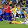 Jugadores de la Selección Chilena, se lamenten tras perder por penales durante el partido por los octavos de final entre Chile vs Brasil jugado en el estadio Mineirao por el Mundial de Futbol Brasil 2014.