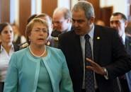 Michelle Bachelet y Sabas Chahuan