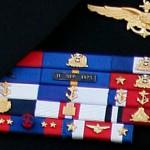 Piden sanciones para altos mandos de la Armada por usar medallas alusivas al golpe