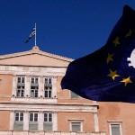 Grecia reabre sus bancos y empieza a pagar préstamos