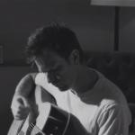 Ewan McGregor se muestra como músico