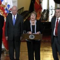 Ex Presidentes llegan hasta el Palacio de La Moneda