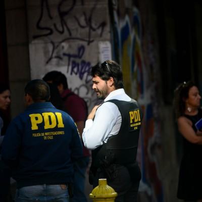 Subcomisario de la PDI baleado en el centro de Santiago