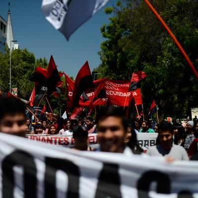 Marcha por la educación pública, gratuita y de calidad convocada por la Confech.