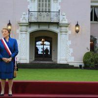 21 de mayo de 2016/VIÑA DEL MAR  La presidenta Michelle Bachelet realiza la tradicional fotografia oficial con sus ministros y ministras previo al discurso de su cuenta publica en el congreso nacional  FOTO:MARIO DAVILA/AGENCIAUNO