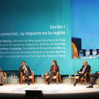 30 de Junio del 2016/FRUTILLAR El Ministro de Relaciones Exteriores, Heraldo Muñoz, participa de la primera sesión de la III Cumbre Empresarial de la Alianza del Pacífico: Protocolo Comercial, su impacto en la región.  FOTO: NICOLAS KLEIN/AGENCIAUNO