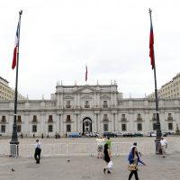 05 de Enero  de 2016 / SANTIAGO El Palacio de la Moneda desde la Plaza de la Constituci—n , en un d'a nublado en Santiago   FOTO:FRANCISCO FLORES SEGUEL/AGENCIAUNO