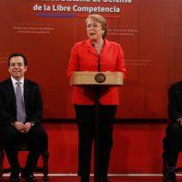 19 de AGOSTO del 2016/SANTIAGO  La Presidenta de la República, Michelle Bachelet, promulgó la Ley que Perfecciona el Sistema de Defensa de la Libre Competencia FOTO:FRANCISCO FLORES SEGUEL/AGENCIAUNO