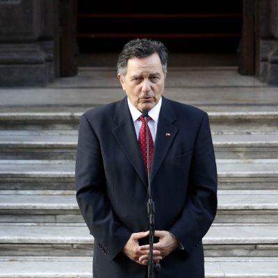 El canciller Ampuero se refirió a la designación de Pablo Piñera como embajador en Argentina.