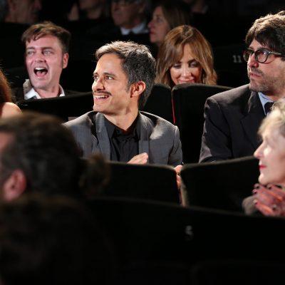 """Equipo de la serie """"Aquí en la Tierra"""" en la presentación en Cannes"""