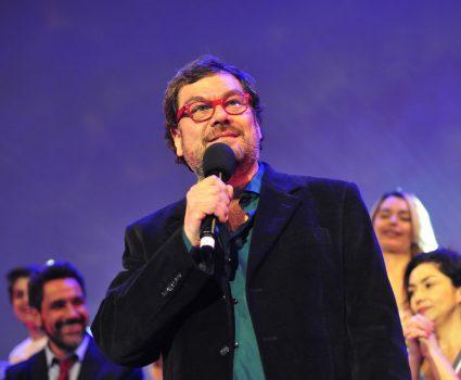"""En la foto, Herval Abreu, director de """"Soltera Otra Vez"""" , quien está siendo acusado de abuso sexual."""