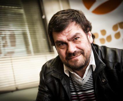 """Director de teleseries como """"Machos y """"Soltera Otra Vez"""" Herval Abreu es denunciado por abuso sexual."""