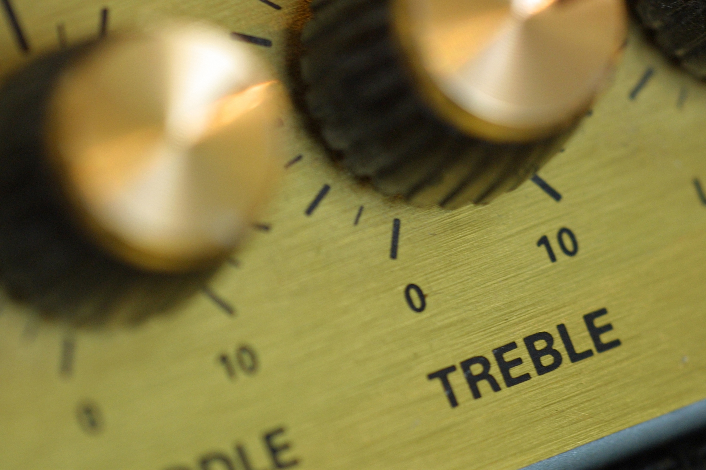 Knobs on an amplifier