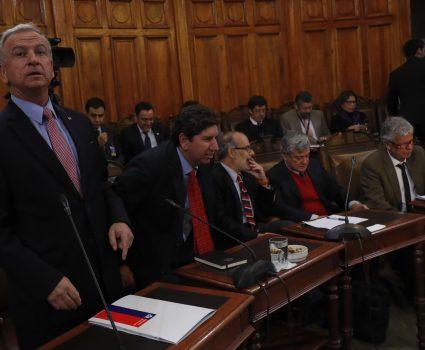 Sesión de la Comisión especial Mixta de Presupuestos que se reúne con el objeto de revisar ejecución y proyecciones presupuestarias. En la imagen el Ministro de Hacienda, Felipe Larraín