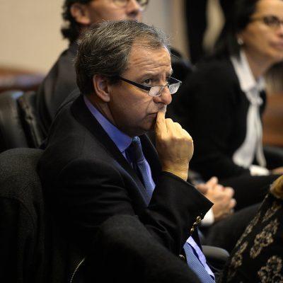 El ministro Gerardo Varela , , durante la comisión de Educación del Senado donde se analizo la situación de acoso sexual.