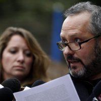 Sebastian Davalos junto a su esposa Natalia Compagnon realiza una declaración publica en su casa, luego de ser sobreseido del Caso Caval