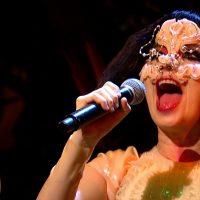 Björk en programa Holland