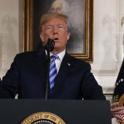 Donald Trump anuncia el retiro de EE.UU del acuerdo nuclear con Irán.