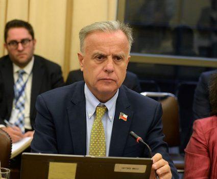 Emilio Santelices, ministro de Salud interpelado