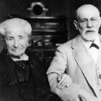 Amalia, la madre que inspiró el notable trabajo de su hijo Sigmund Freud