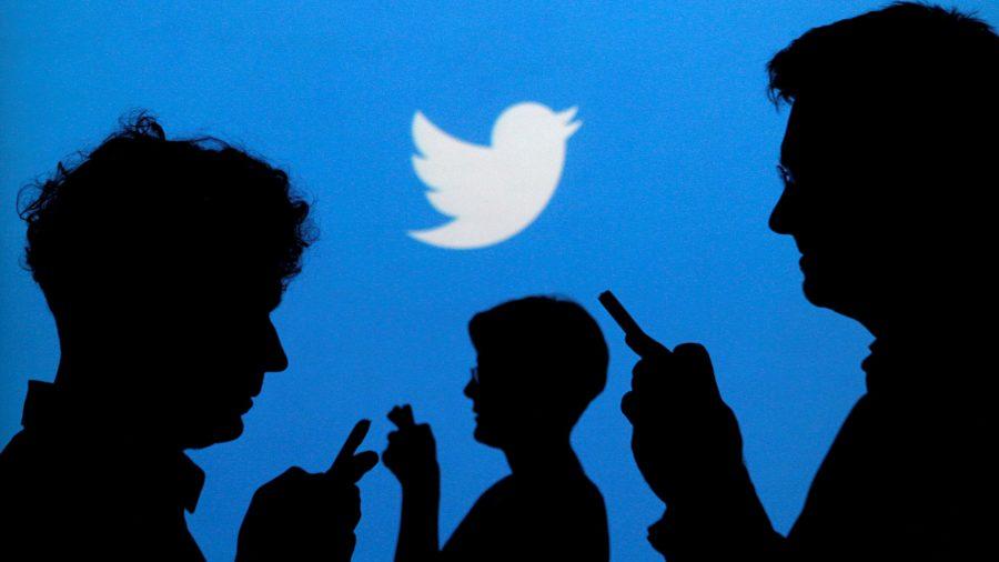 Gente tuiteando
