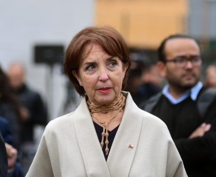 La ministra de Transportes, Gloria Hutt, se refiere al Plan de Transportes Tercer Milenio