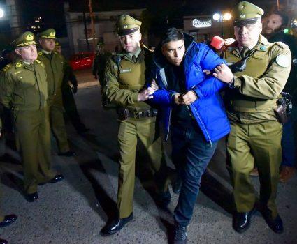En horas de la noche se entregó el autor material del asesinato del cabo Oscar Galindo ocurrido ayer en La Pintana.