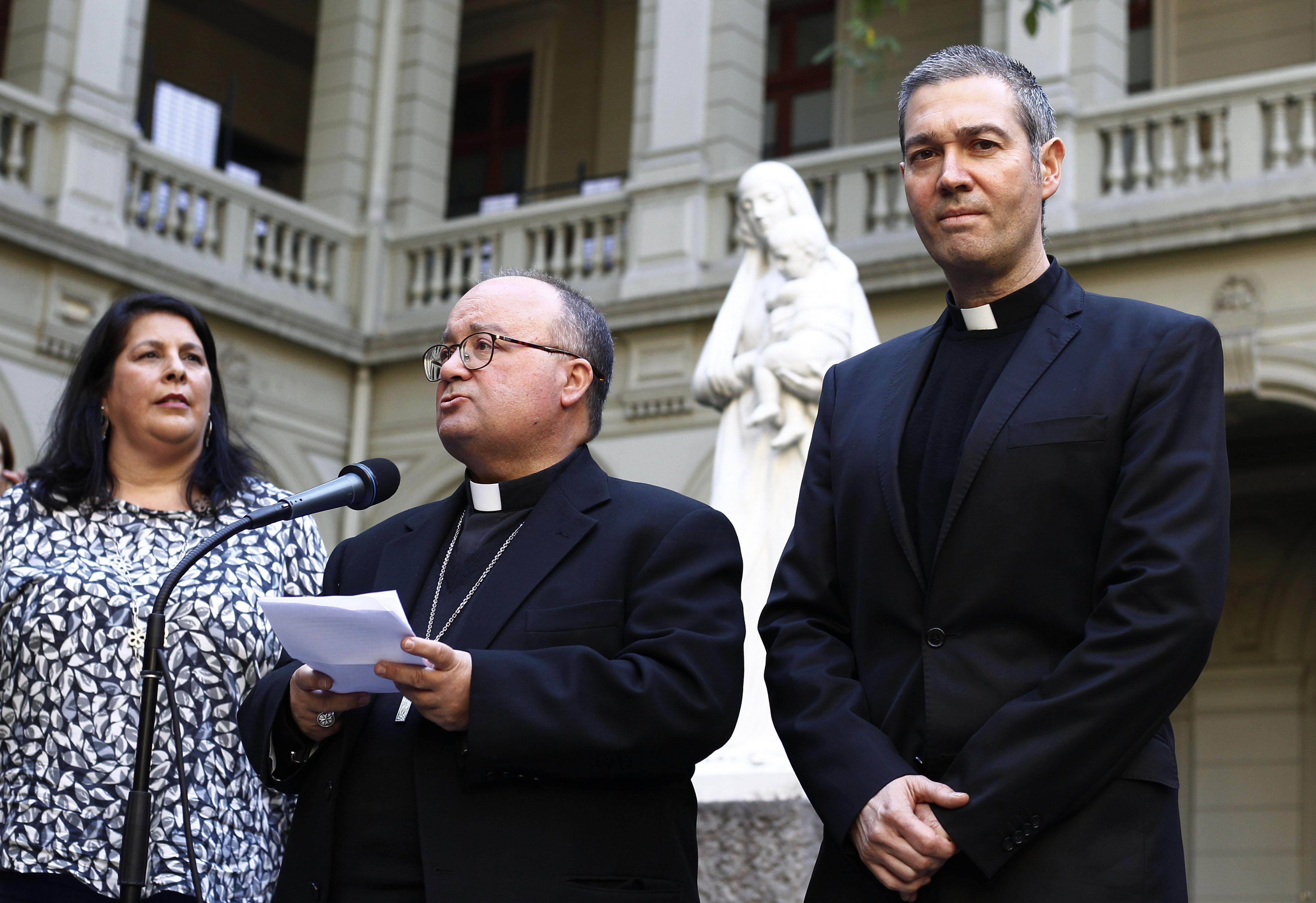 Charles Scicluna y Jordi Bertomeu viajan a Osorno